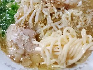 ラーメン香蘭 しょう油豚骨ラーメン 麺拡大