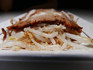 麺処 聖 つまみ(炙り焼豚5枚+モヤシ)