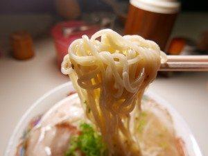 南国ラーメン ラーメン 麺拡大