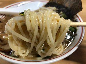 三男坊 長谷店 まかないラーメン 750円 麺拡大