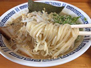 琴食堂 ラーメン麺拡大